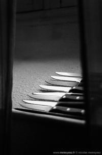 Les couteaux ne tournent plus dans les plaies