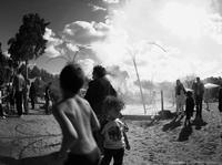 Des pavés sous la plage