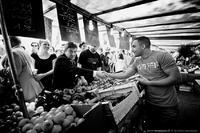 Le marché Coluche voit rouge